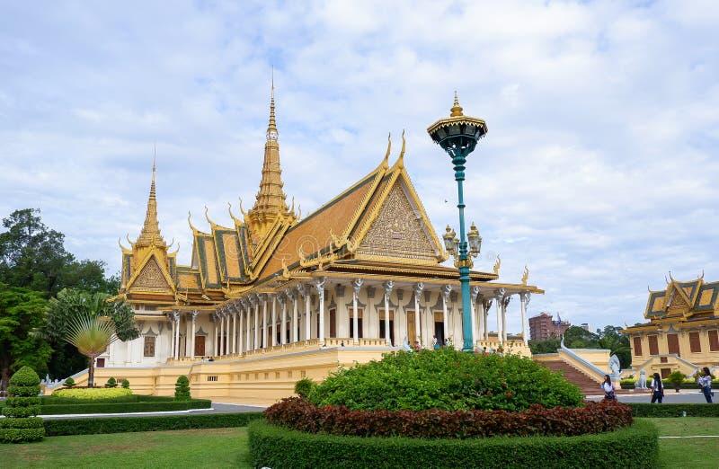 Structures de Royal Palace dans Phnom Penh photographie stock libre de droits