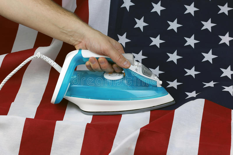 Struken skrynklig USA-flagga royaltyfri fotografi