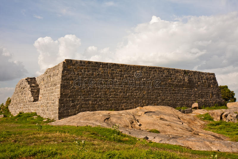 Struktur am Gingee Fort stockbild