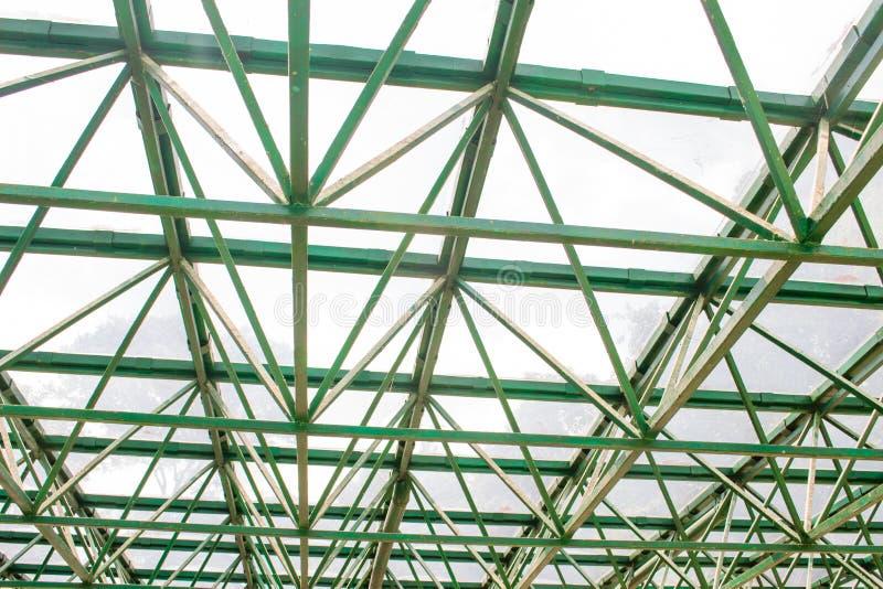 Struktur/Skelett eines Gewächshausdachs lizenzfreie stockfotos