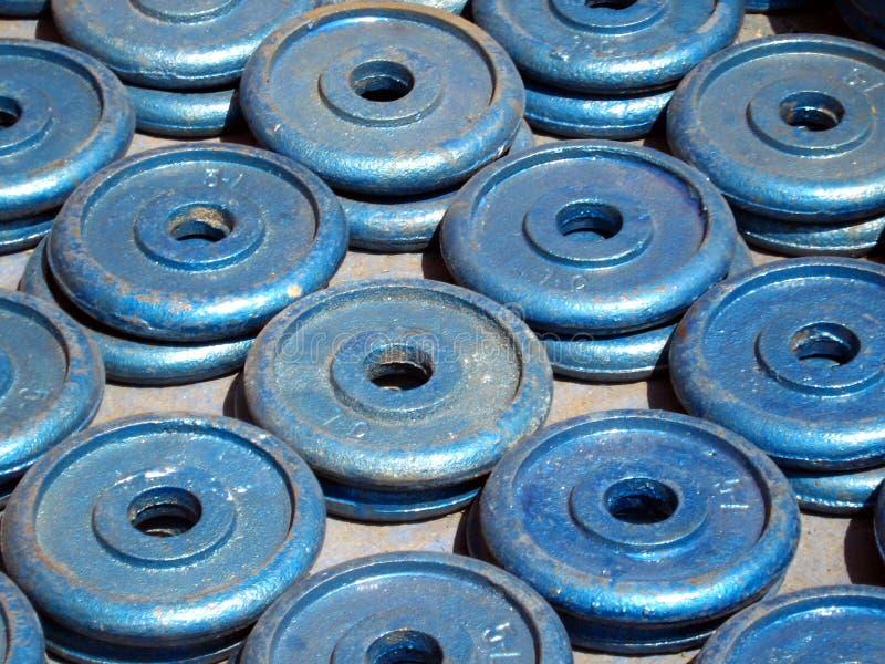 Strumentazione di ginnastica - pesi fotografia stock libera da diritti
