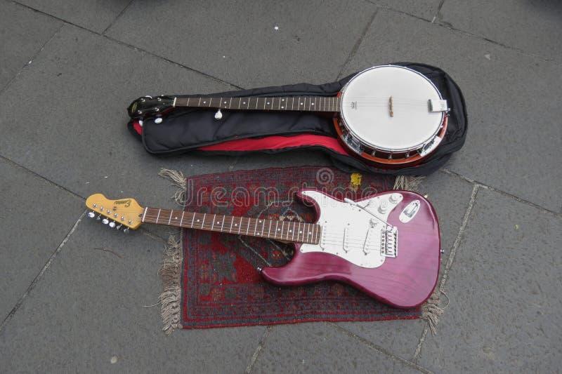 Strumenti a corda del banjo e della chitarra elettrica fotografia stock libera da diritti