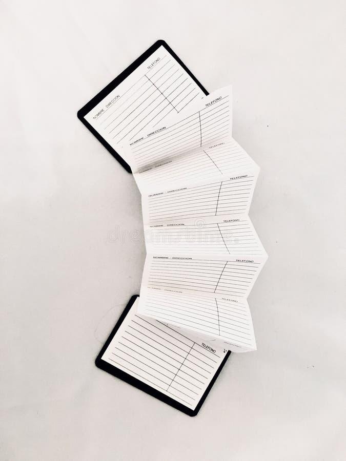Strumenti di scrittura dello scrittore ordine del giorno dell'ufficio dello studioso immagine stock