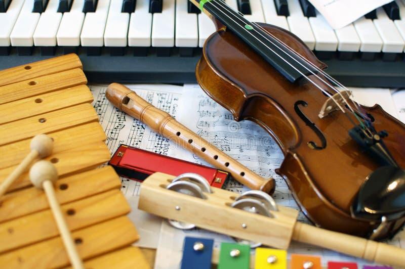 Strumenti musicali per i bambini immagine stock