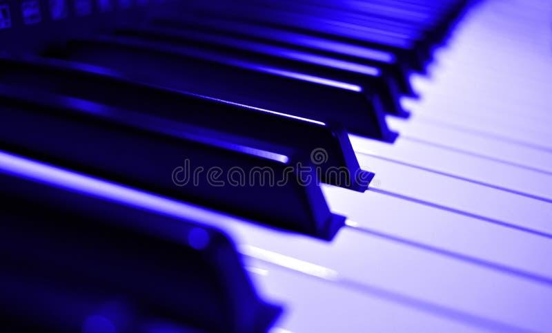 Strumento di musica - vista del primo piano della tastiera di piano fotografia stock libera da diritti
