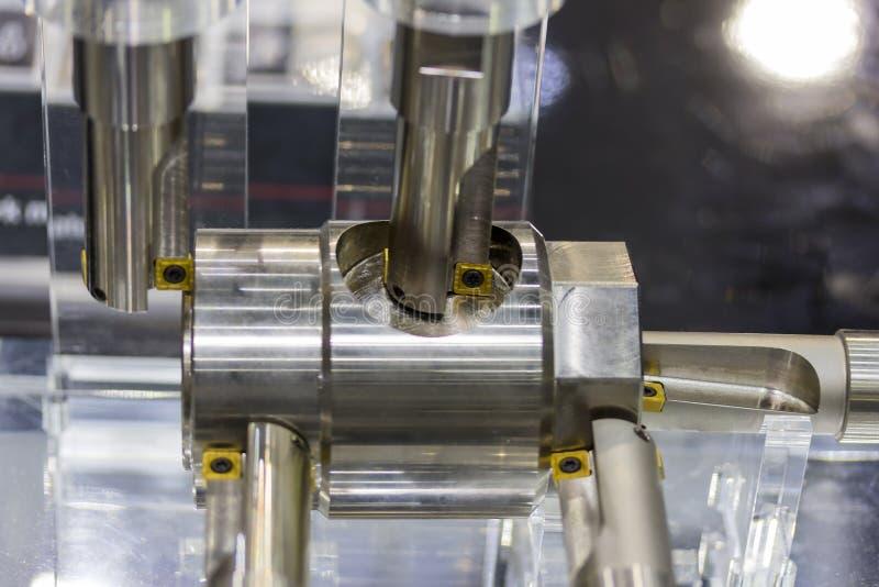 Strumento di taglio e pezzo da lavorare di modello per la macchina del tornio di CNC o la fresatrice fotografia stock libera da diritti