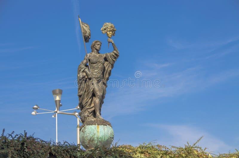 Strumica Makedonien - karnevalmonument royaltyfri bild