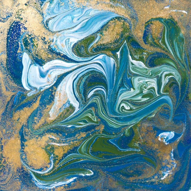 Struttura blu, verde e dell'oro del liquido Fondo di marmorizzazione disegnato a mano Modello astratto di marmo dell'inchiostro illustrazione di stock