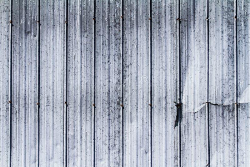 Struttura d'acciaio della parete con l'ammaccatura dal lato illustrazione vettoriale