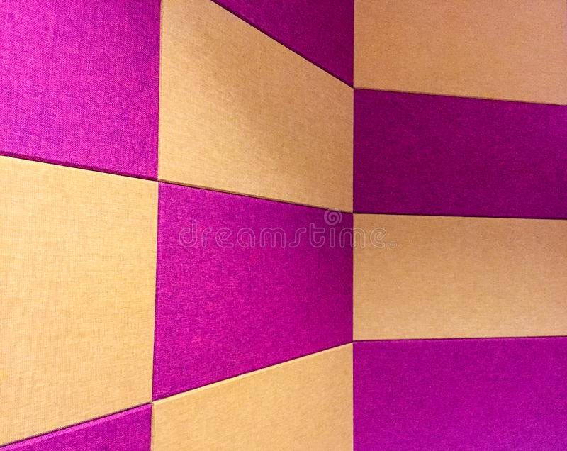 Struttura del fondo rosso e giallo del tessuto immagini stock