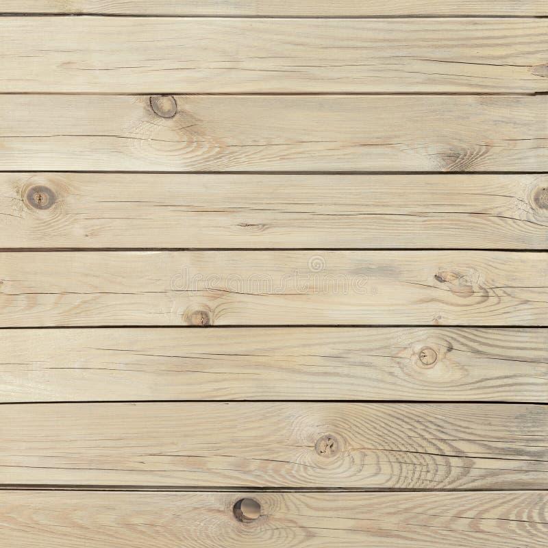 Struttura di legno del pino con i nodi e le crepe immagini stock libere da diritti