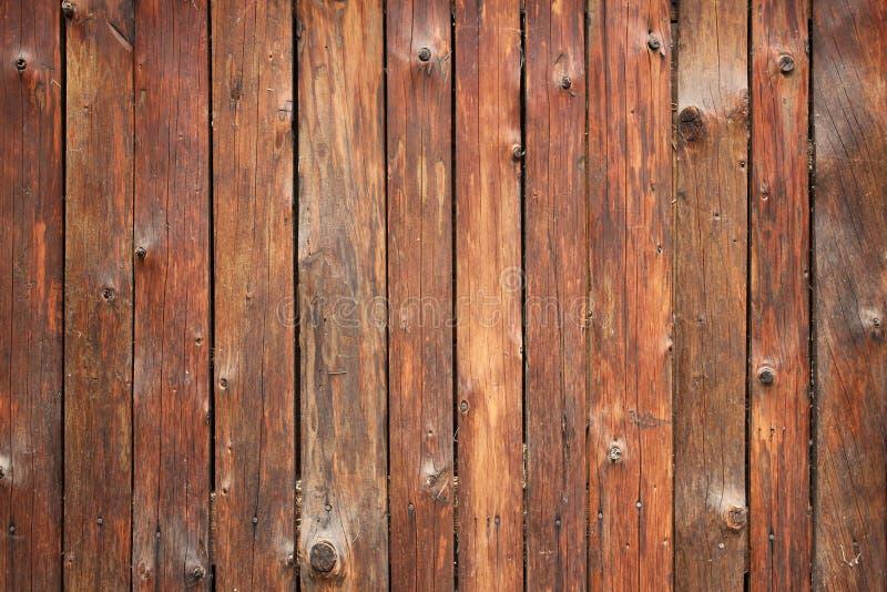 struttura di legno del tavolato della parete del granaio verticale Fondo rustico ripreso delle vecchie stecche di legno Elemento  fotografie stock libere da diritti