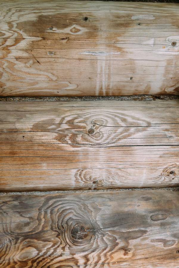 Struttura di legno naturale, fondo dei bordi impilati in una fila immagini stock libere da diritti