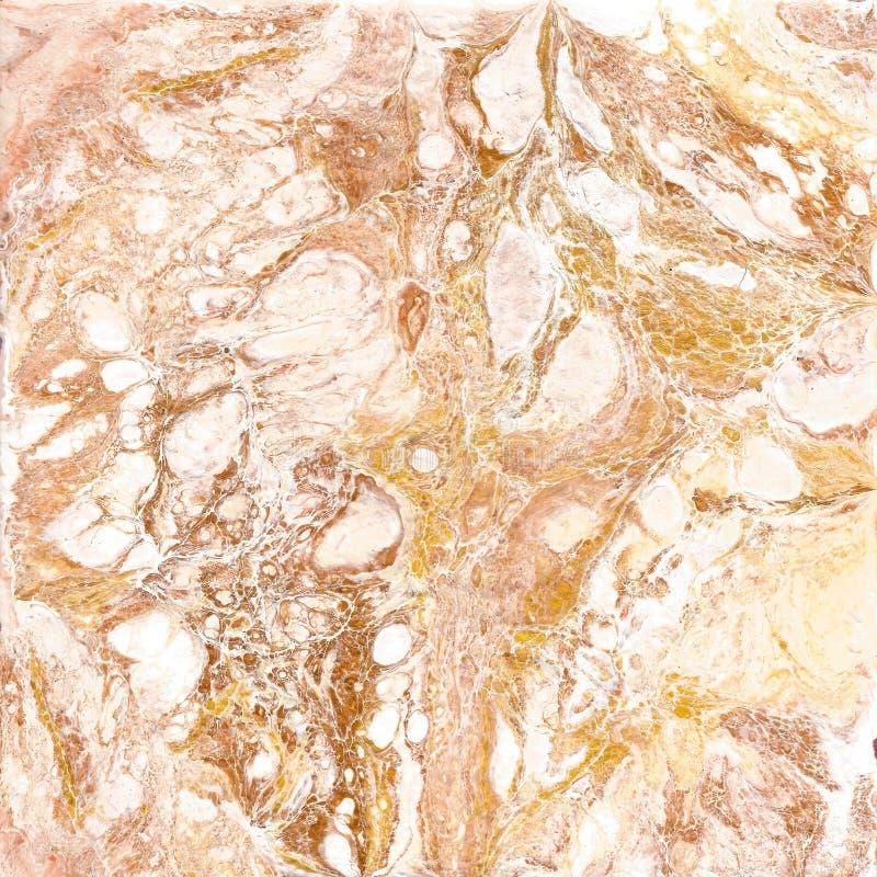Struttura di marmo bianca e dorata Passi la pittura di tiraggio con la struttura marmorizzata e l'oro e bronzi i colori Marmo del fotografia stock