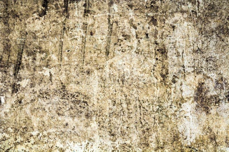 Struttura di vecchia parete antica, strato distrutto del gesso del muro di cemento, fondo scuro dell'estratto di lerciume fotografia stock libera da diritti