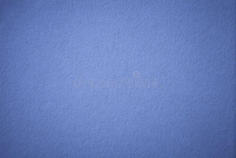 Struttura di vecchio fondo della carta di blu navy, primo piano Struttura del cartone scuro denso del denim fotografie stock libere da diritti