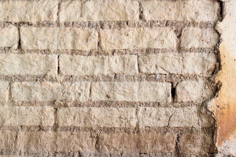 Struttura fatta con i blocchetti del fango, tecnica venezuelana tradizionale della parete immagine stock