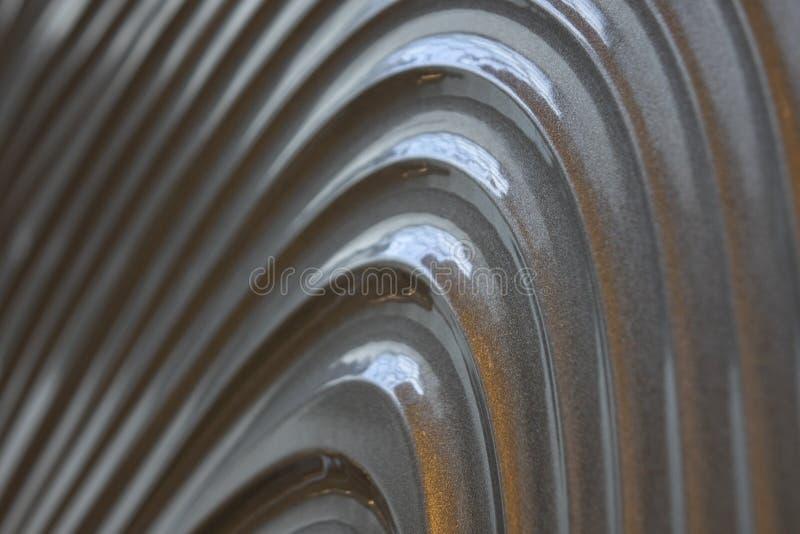 Struttura grigia della parete, modello astratto, fondo moderno dell'onda e geometrico ondulato di strato di sovrapposizione fotografia stock