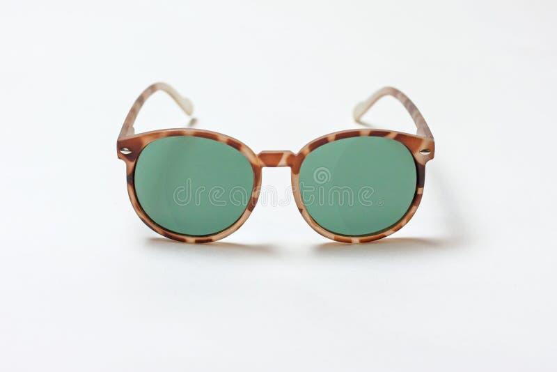 Struttura isolata degli occhiali da sole della stampa della tigre fotografia stock libera da diritti