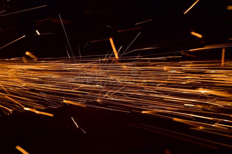 Struttura metallica di saldatura con la fotografia del fondo delle fiamme fotografia stock