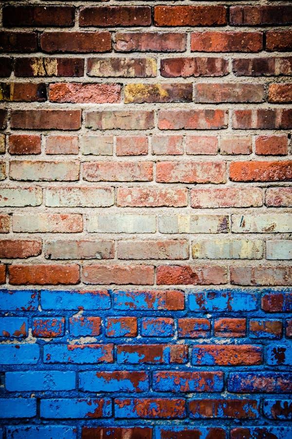 Struttura rossa e blu del muro di mattoni immagini stock libere da diritti