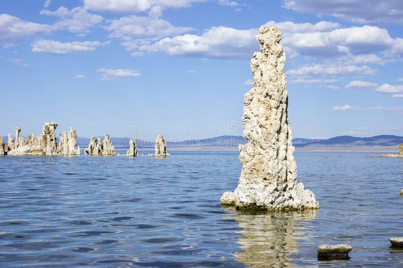 Strutture del tufo, mono lago, California fotografie stock