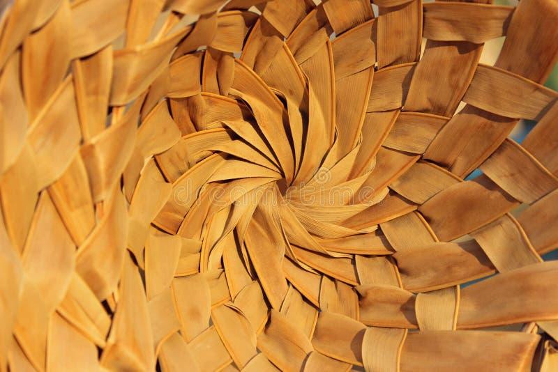 Strutture di legno astratte degli ambiti di provenienza Colpo potato di un canestro Fine di bambù del cappello su immagini stock
