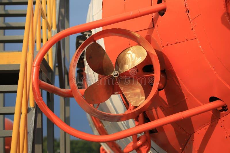 Strutture a quattro palette di acclusione e dell'elica di vecchio primo piano del veicolo di soccorso AS-5 di profondo-sommersion immagini stock