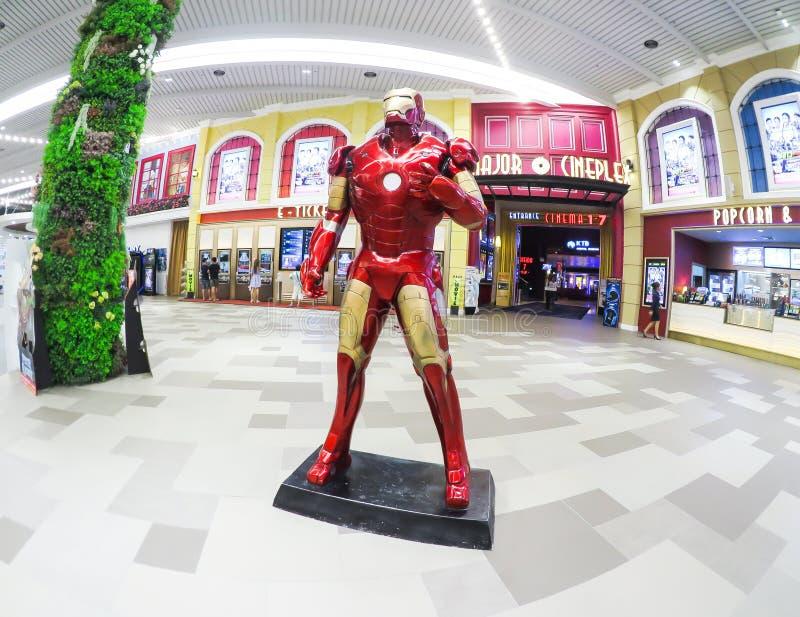 Stryka den i naturlig storlek modellen för mannen, en uppdiktad superhero som syns i amerikanska humorböcker som publiceras av Ma royaltyfria foton