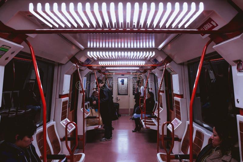 Strzał przypadkowi ludzie na pociągu zdjęcie royalty free