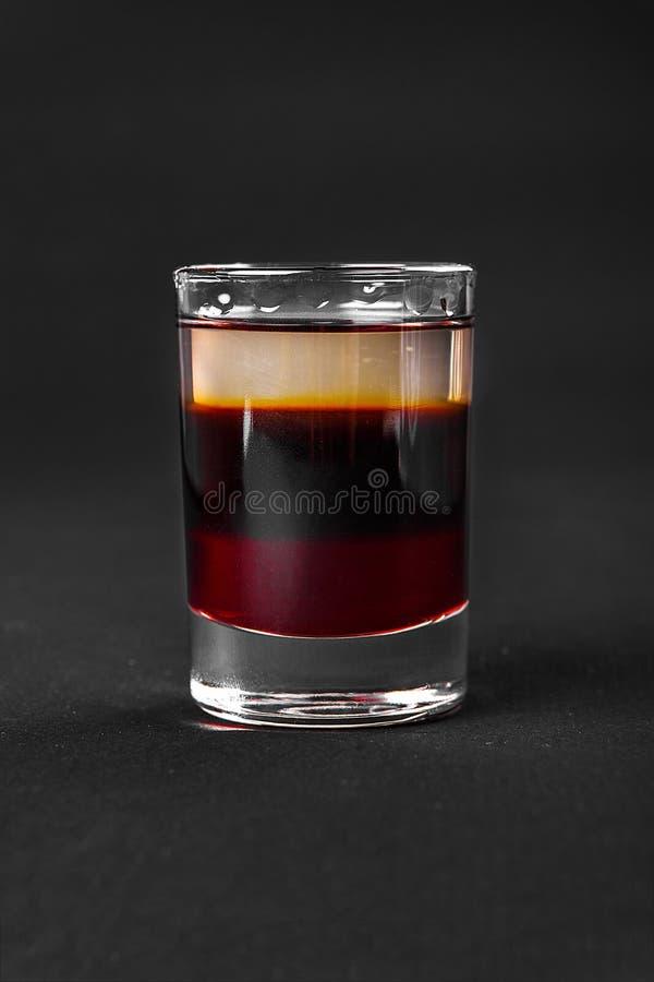 Strzelający koktajlu odosobniony czerń fotografia royalty free