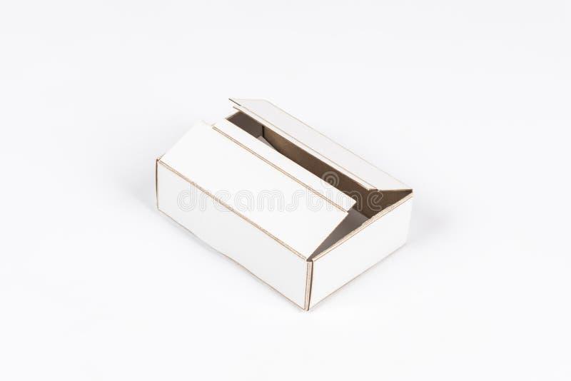 strzelający pusty prostokątny karton na białym tle fotografia royalty free