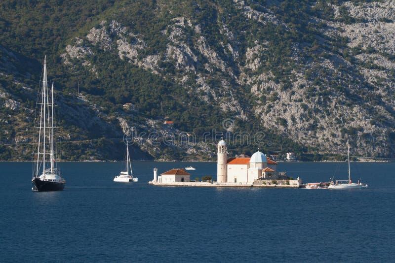 Sts George ö nära staden av Perast, Montenegro royaltyfria foton