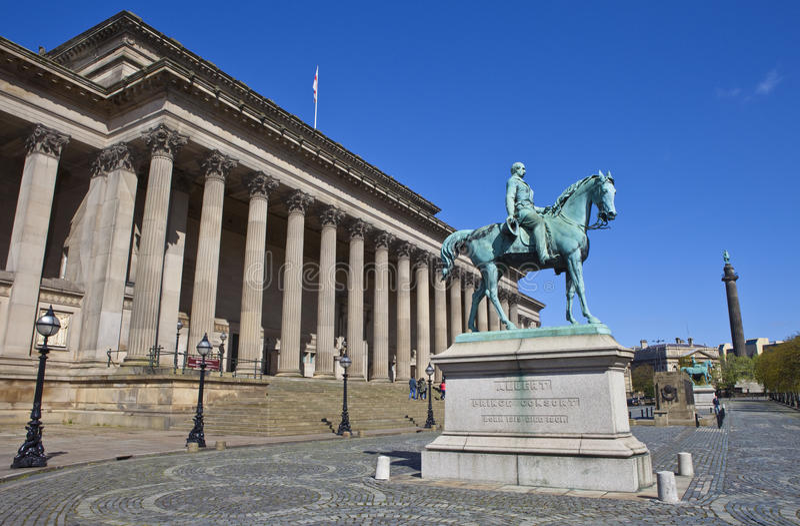 Sts George Hall, prins Albert och gummistövels kolonn i levande royaltyfria foton