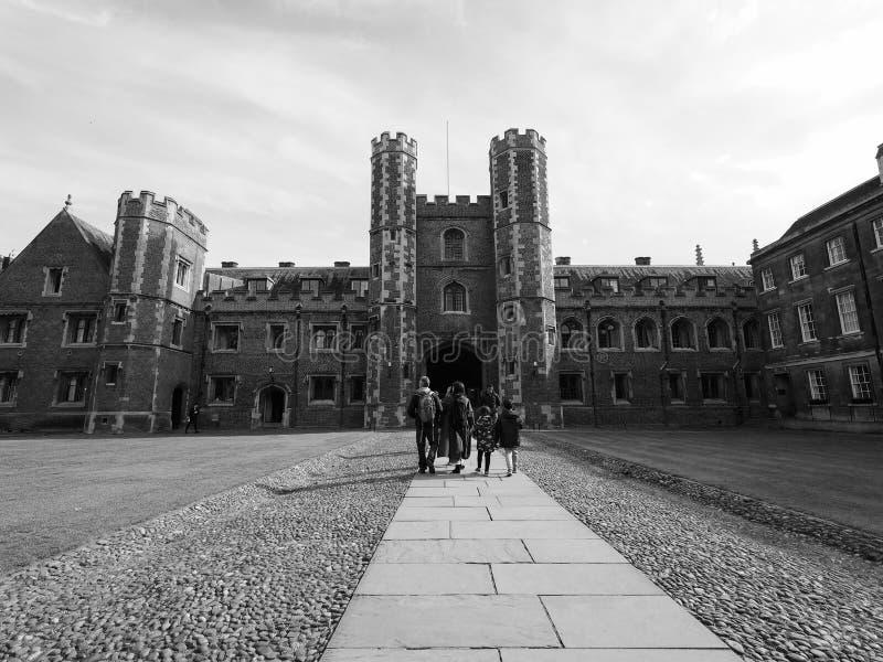 Sts John domstol för högskola andra i Cambridge i svartvitt royaltyfria foton