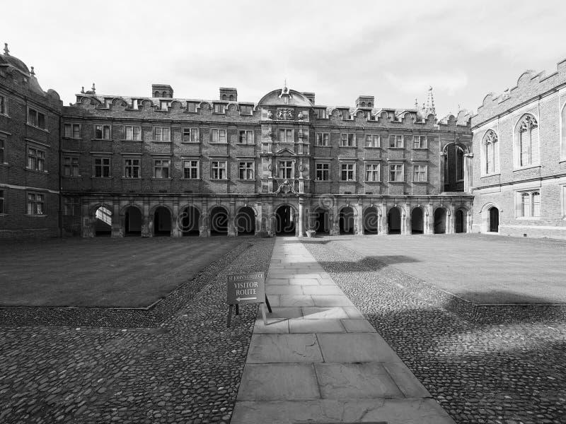 Sts John tredje domstol för högskola i Cambridge i svartvitt royaltyfri bild