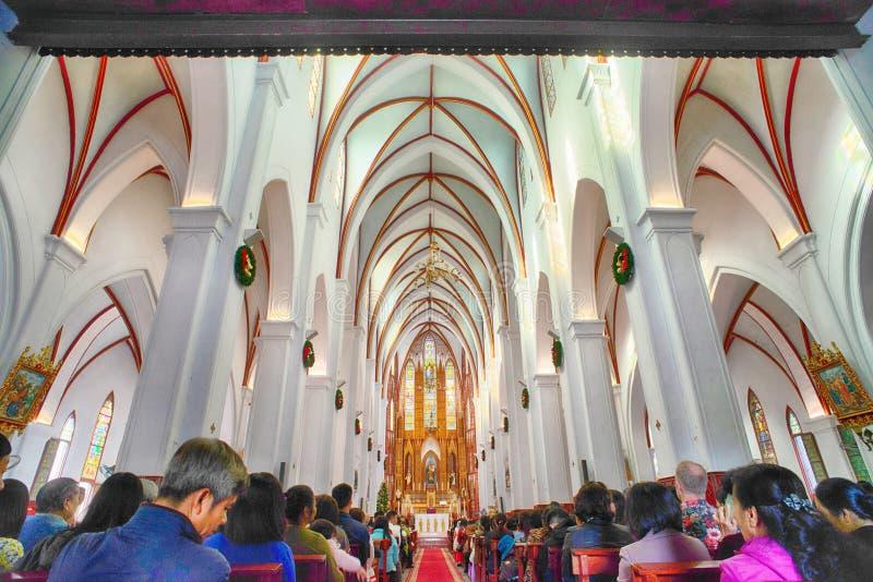 Sts Joseph domkyrka är en kyrka på den Nha Tho gatan i Hanoi, Vietnam royaltyfri fotografi