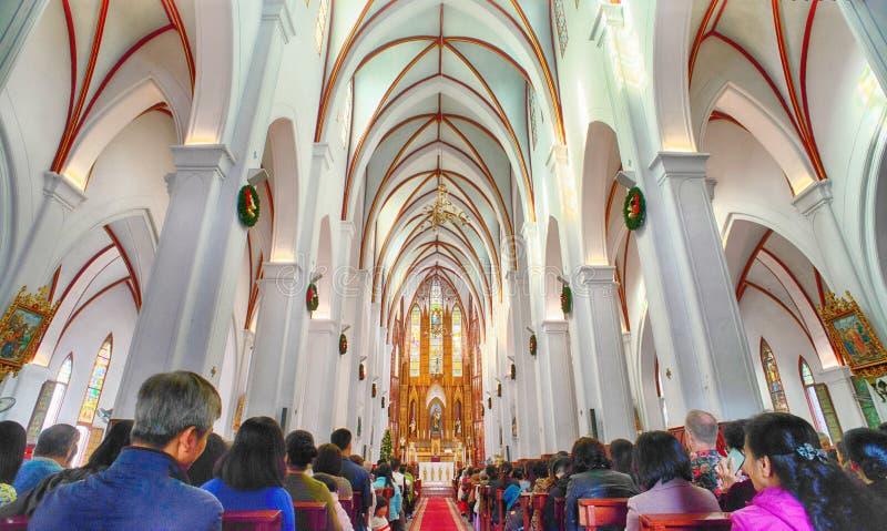 Sts Joseph domkyrka är en kyrka på den Nha Tho gatan i Hanoi, Vietnam royaltyfri foto
