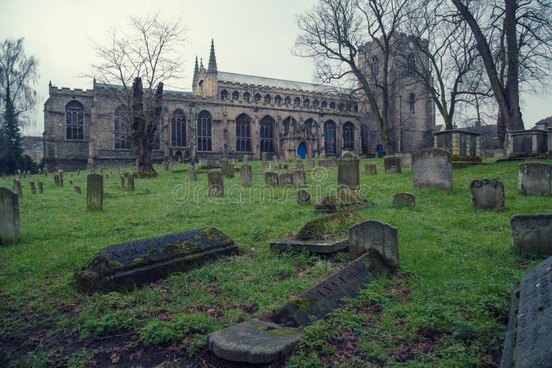 Sts Mary kyrka, begraver St Edmunds royaltyfri foto