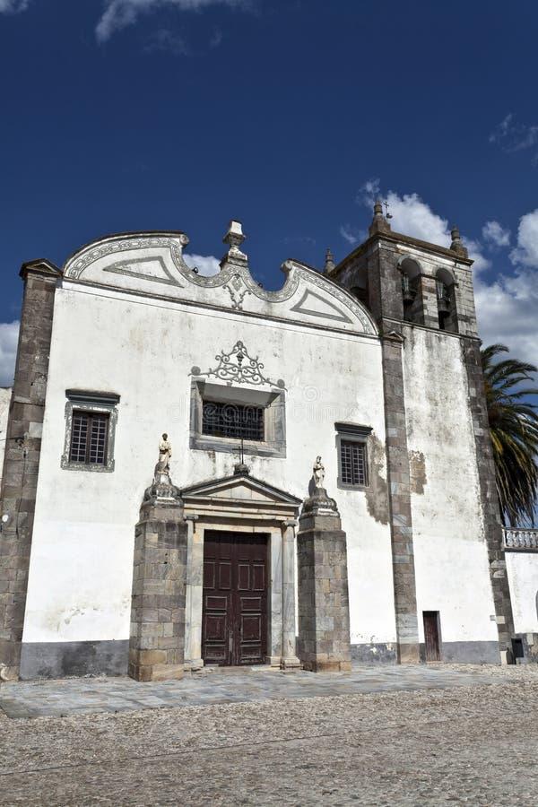 Sts Mary kyrka i Serpa, Portugal arkivbilder