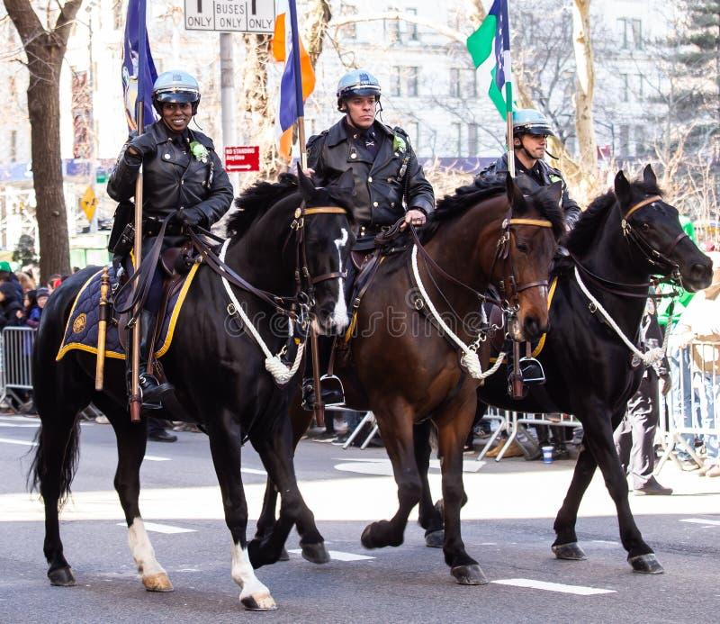 Sts Patrick dag ståtar i New York City mars 16, 2019 arkivfoto