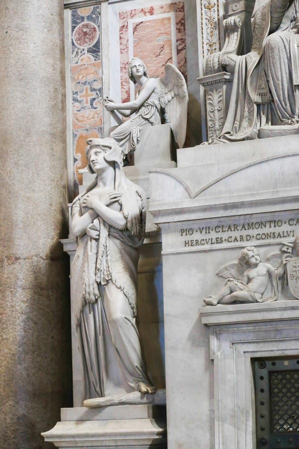 Sts Peter basilikaskulptur, Vaticanen, Italien arkivfoto