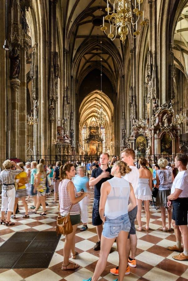 Sts Stephen domkyrka (Stephansdom) i Wien arkivfoto