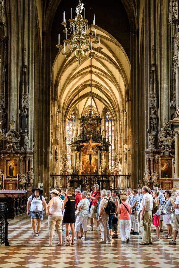 Sts Stephen domkyrka (Stephansdom) i Wien arkivfoton