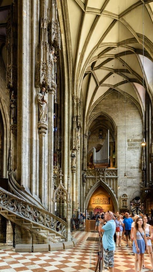 Sts Stephen domkyrka (Stephansdom) i Wien fotografering för bildbyråer