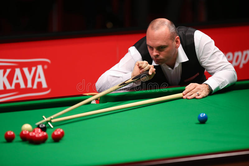 Stuart Bingham. Of England pictured during a snooker friendly match against Ronnie O'Sullivan, in Bucharest, Romania, Saturday, 21 November 2015 stock images