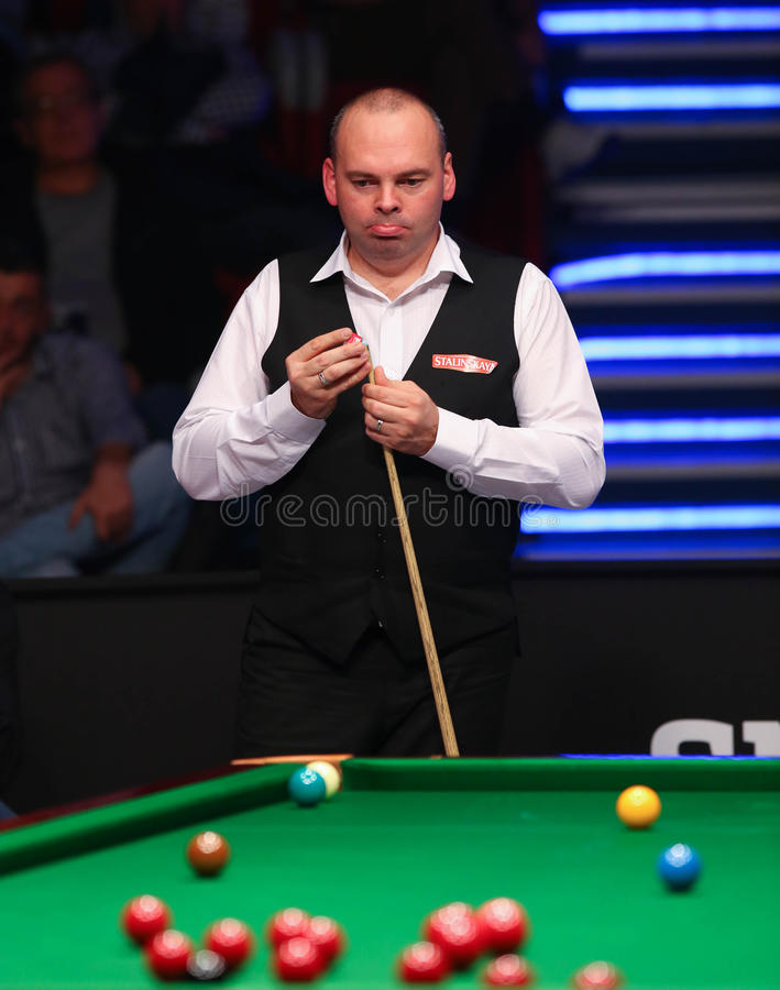Stuart Bingham. Of England pictured during a snooker friendly match against Ronnie O'Sullivan, in Bucharest, Romania, Saturday, 21 November 2015 royalty free stock photos