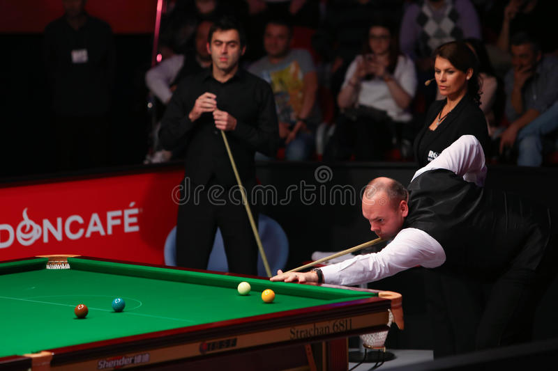 Stuart Bingham. ( R ) of England pictured during a snooker friendly match against Ronnie O'Sullivan, in Bucharest, Romania, Saturday, 21 November 2015 royalty free stock images
