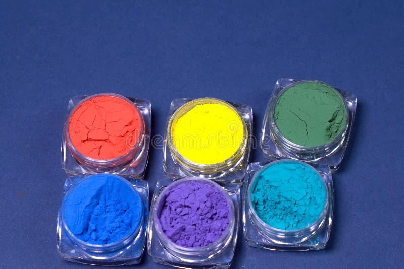 Stubarwne proszek farby Farby w formie obraz stock
