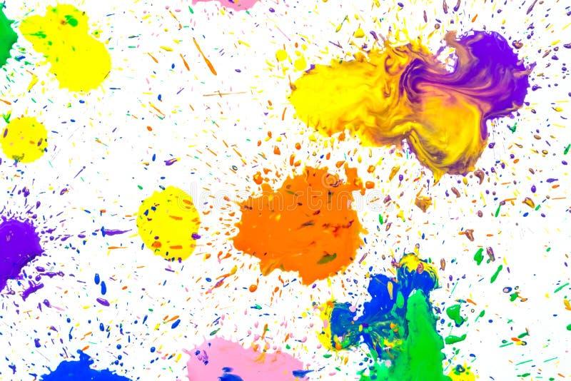 Stubarwni akwarela kleksy odizolowywający na białym tle Pluśnięcia stubarwna akwareli farba opuszczają na bielu obraz stock